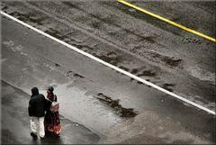 Passeggiando sotto pioggia