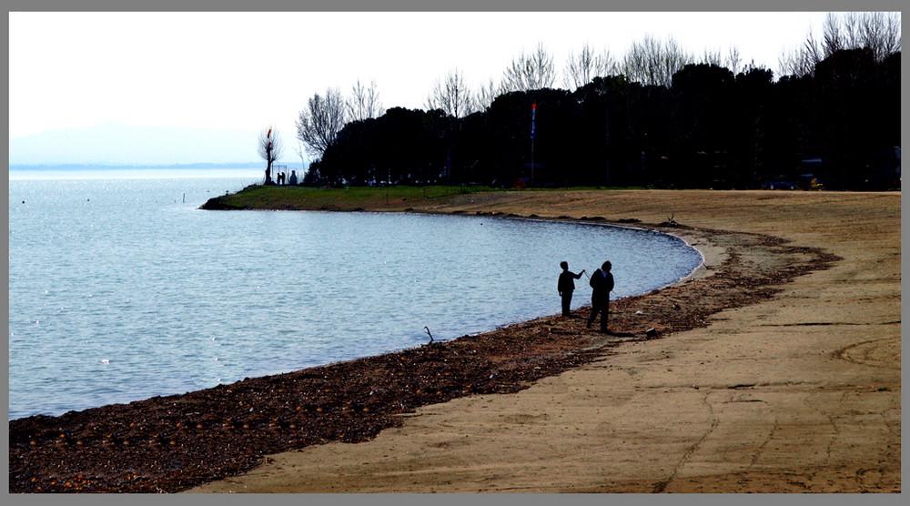 Passi insieme ......in riva........