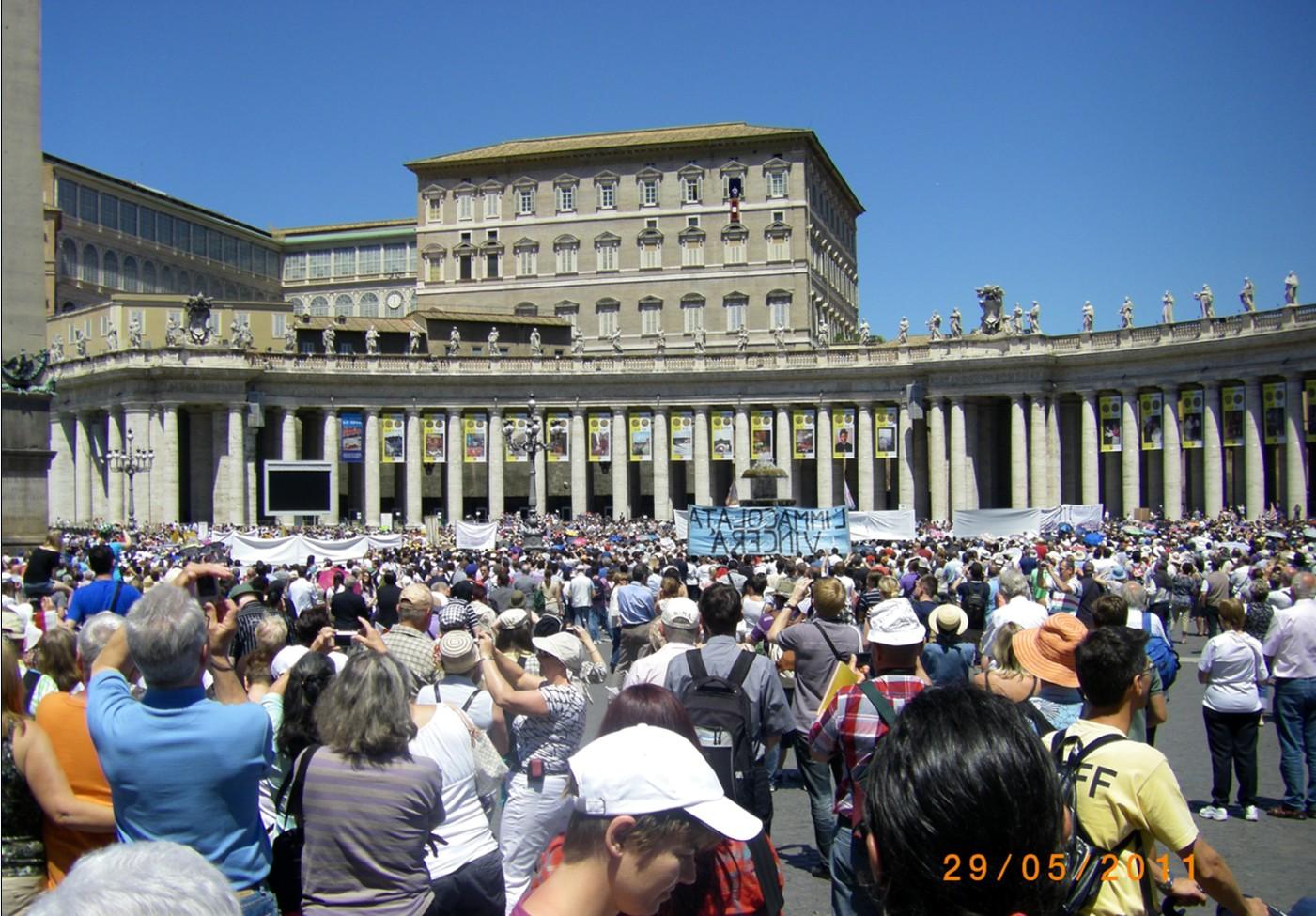 Pastmesse auf dem Petersplatz