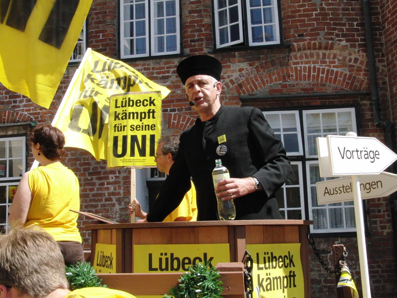 Pastor-Dr.Bernd Schwarze-St.Marienkirche Lübeck ,kämpft für den Erhalt der Lübecker UNI!