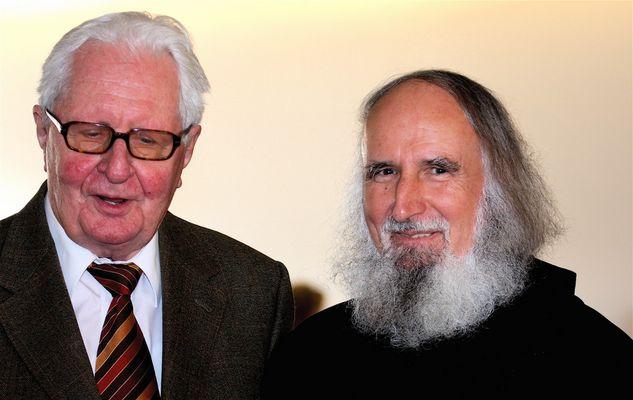 Pater Anselm Grün und Hans Jochen Vogel in Markt Schwaben