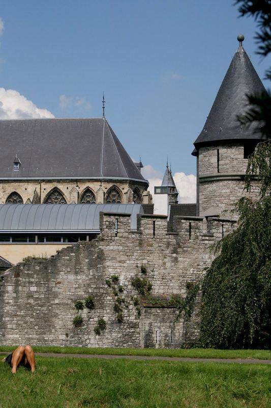 """Pater Vincktoren"" Turm mit alter Stadtmauer"