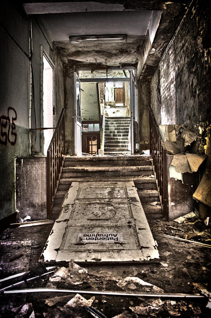 Patientenaufnahme - altes Psychiatrisches Krankenhaus Großörner