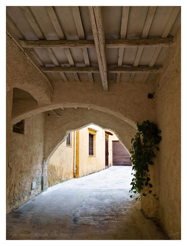 Patio interior ( Marsala Sicilia Italia )