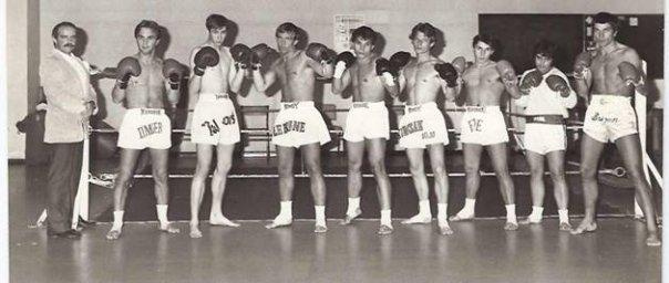 PATRICK BRIZON ET SON EQUIPE DE BOXEURS EN 1980