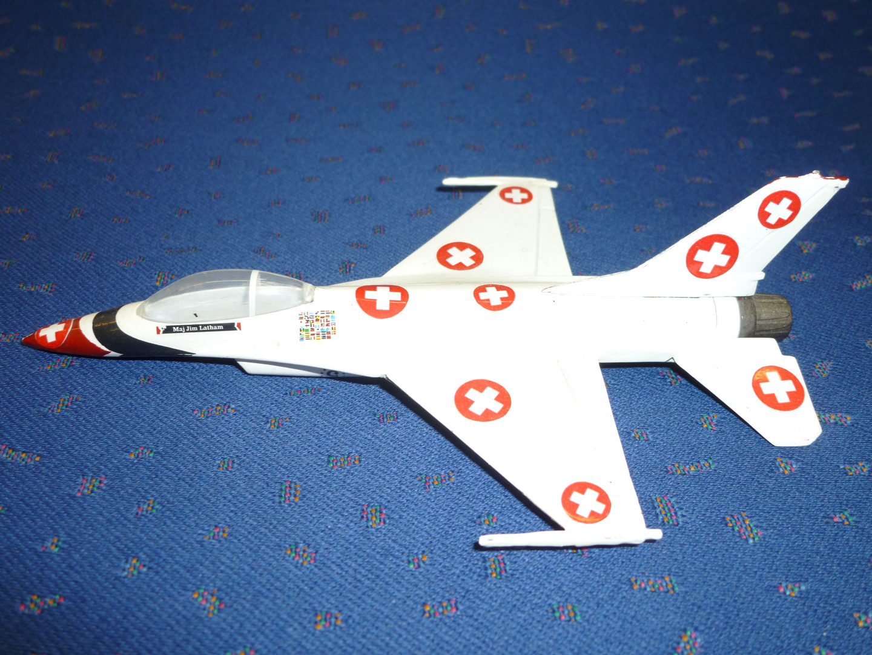 patriotische F-16 ...