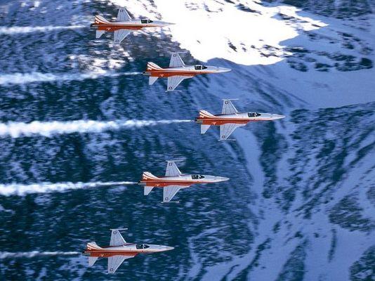 Patrouille Suisse 2003