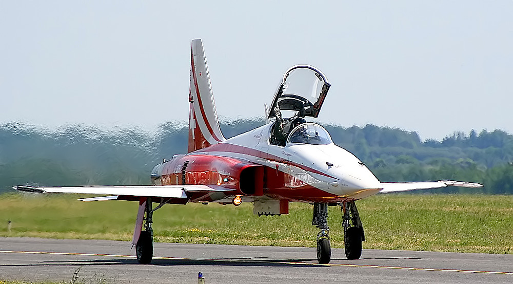 Patruille Suisse F-5 on Taxiway