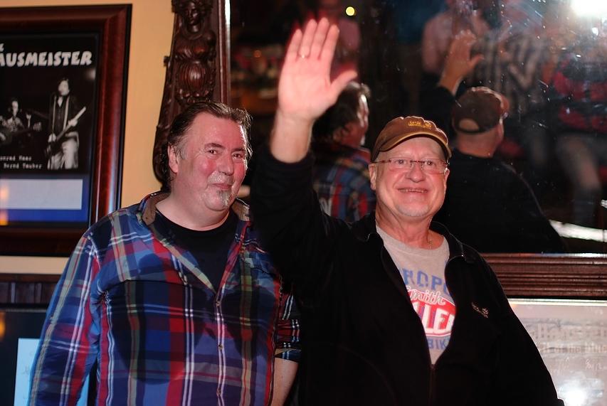 Paul Botter und Alex Conti am Ende eines sehr intimen Clubkonzertes
