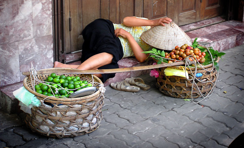 Pause in Hanoi