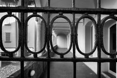 Pavia, il Broletto, cancello