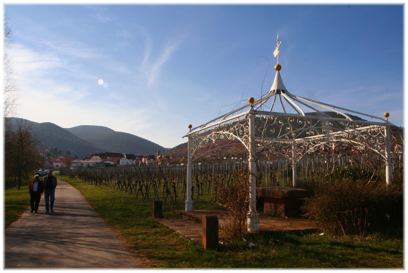 Pavillion in den Weinbergen