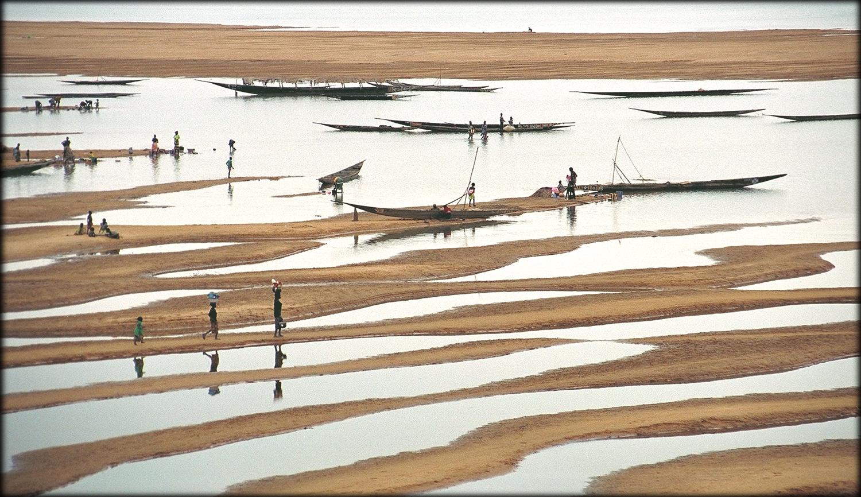Pêcheurs Bozos sur le le Bami, un affluent du Niger