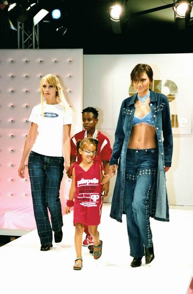 PellePelle Fashion-Show 2002