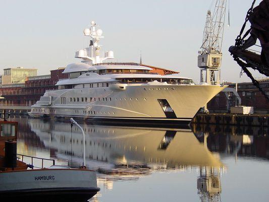 Pelorus im Lübecker Hafen