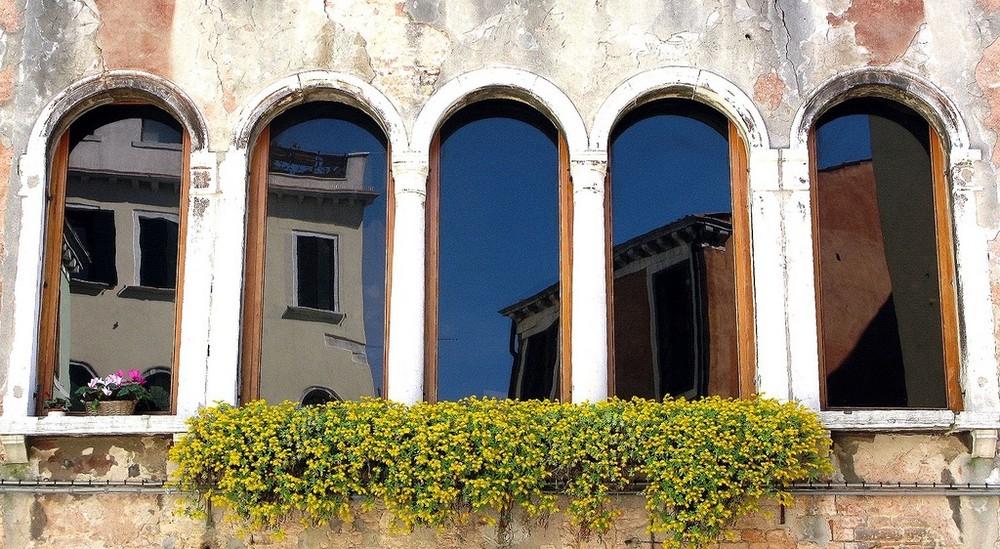 Pentacornice veneziana