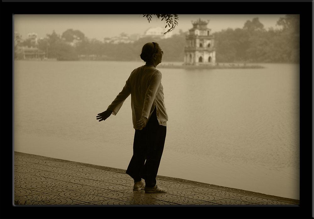 People of Vietnam - Hoam-Kian Lake workout