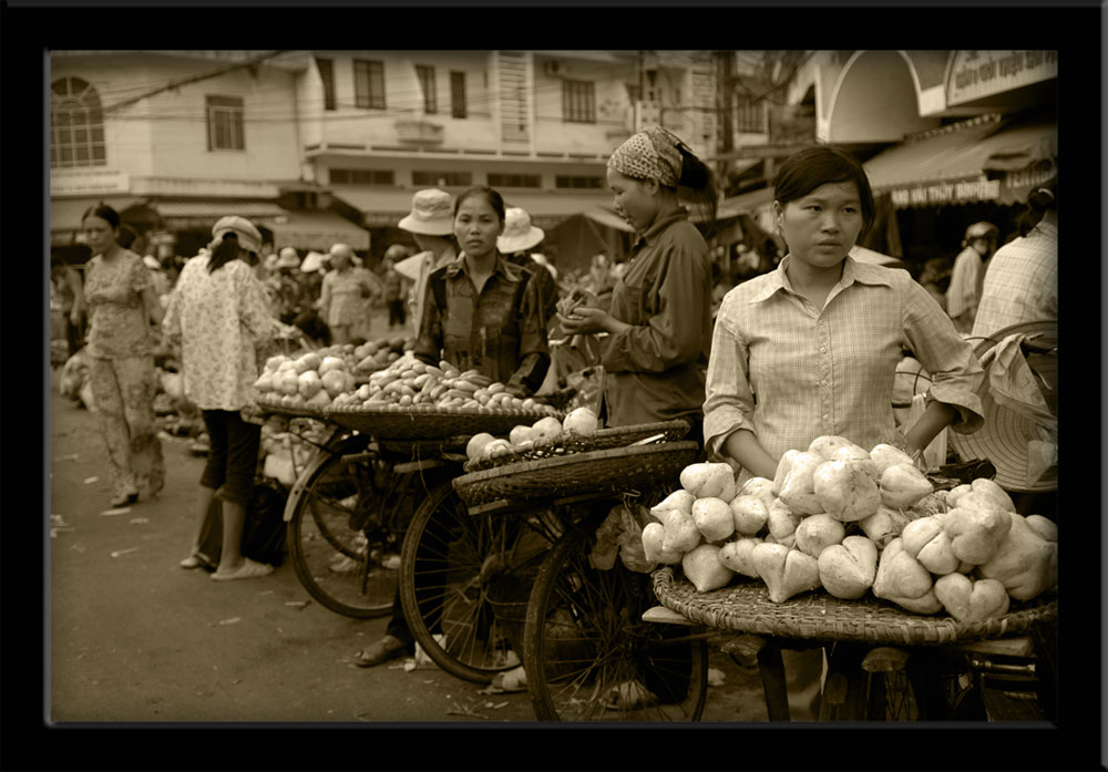 People of Vietnam - Market women