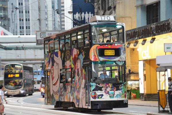 Per le vie di Hong Kong