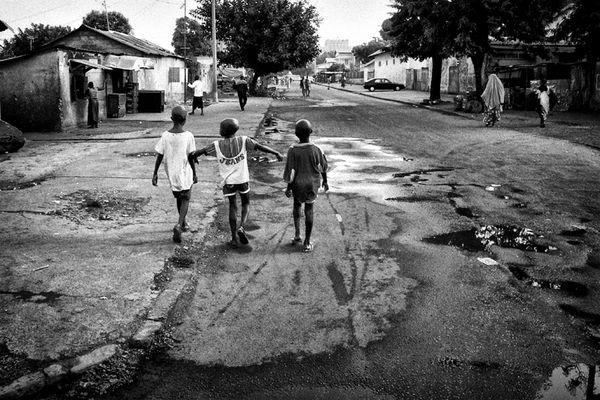 per strada a Kaloum