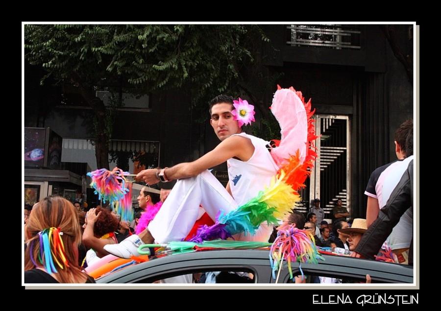 Personajes del gay parade México XIII