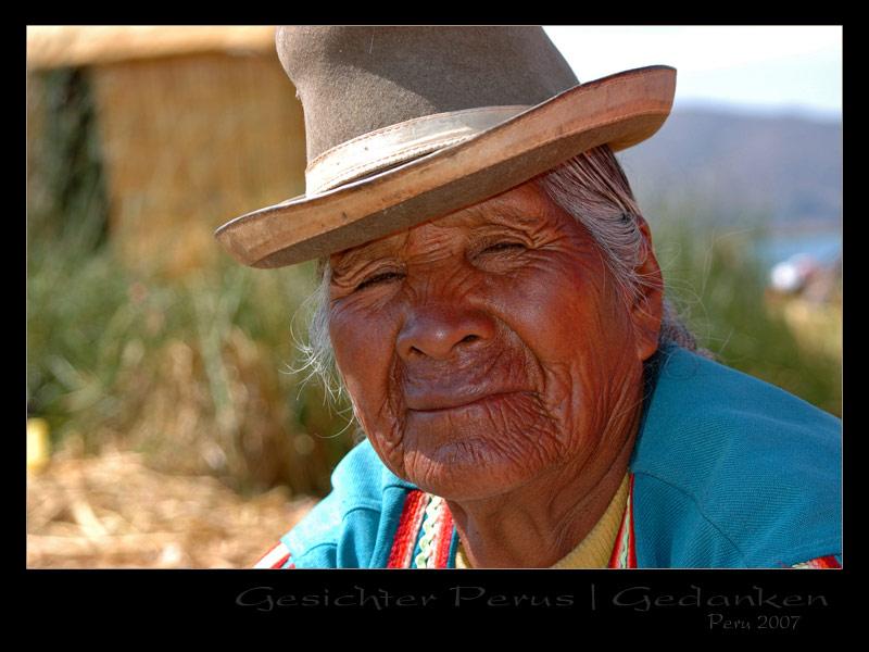 Peru 2007 / Gesichter Perus - Frau beim Maismehl machen