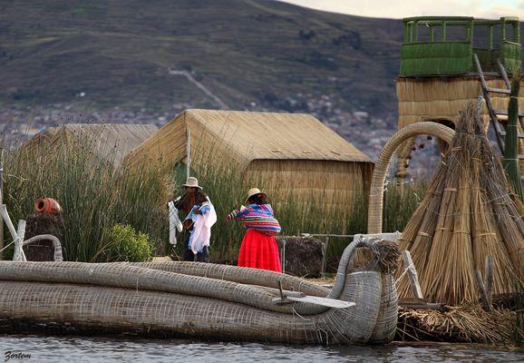 PERU - TOTORAS sur le Titicaca