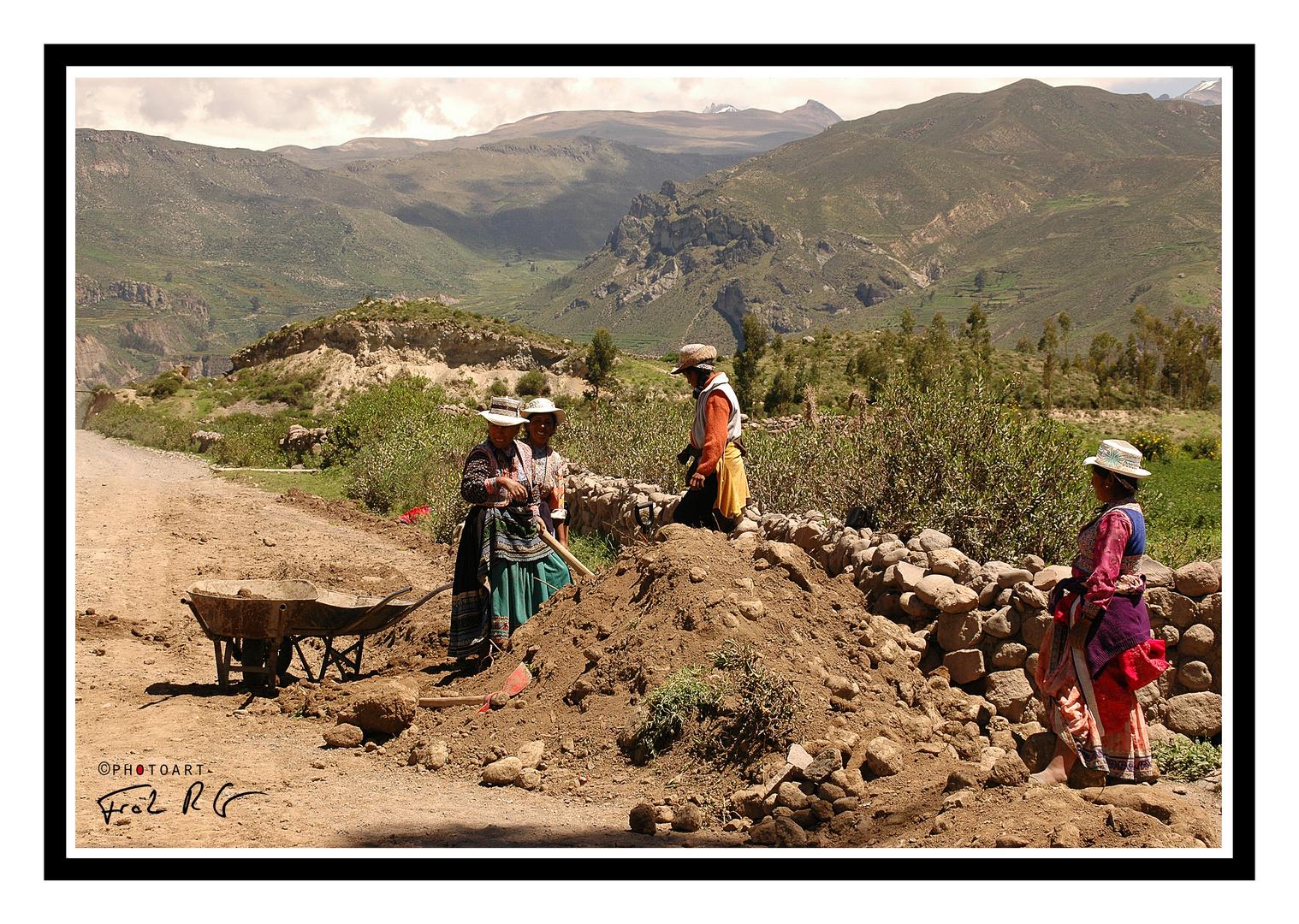 peruanische Straßenarbeiterinnen