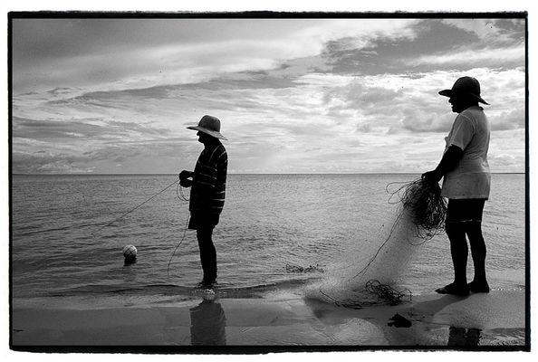 Pescadores na Amazonia
