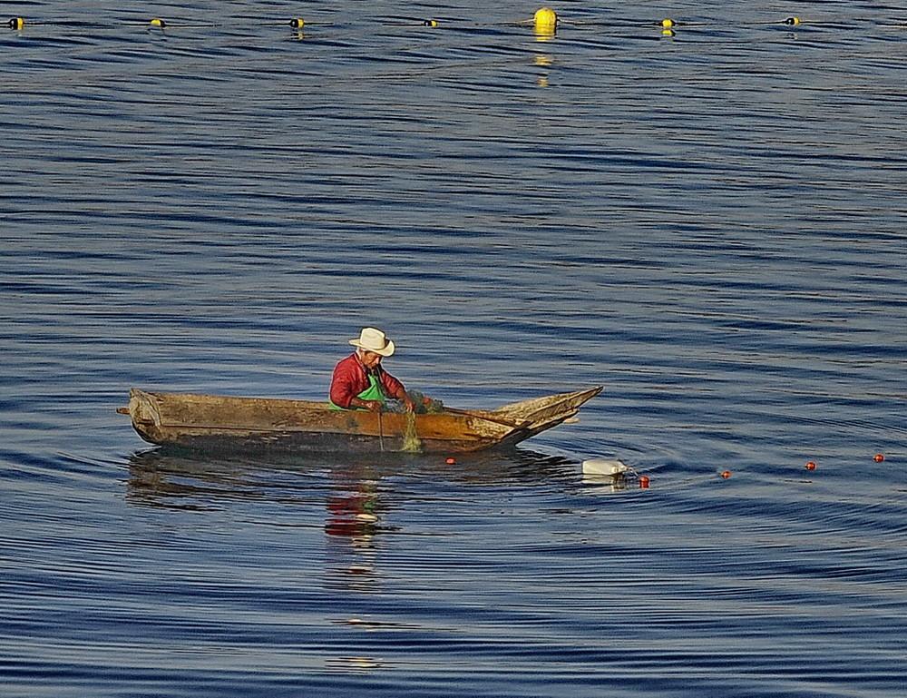 Pescando en el Lago Atitlan