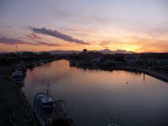 Pescara, tramonto sul Gran Sasso dal Ponte del Mare