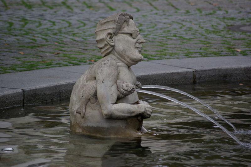 Peter-Lenk Brunnen in Überlingen, Detail 1