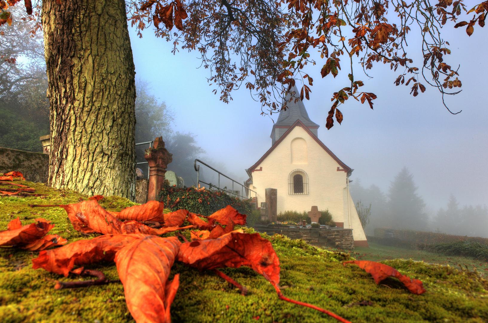 Peterskapelle in der Herbststimmung