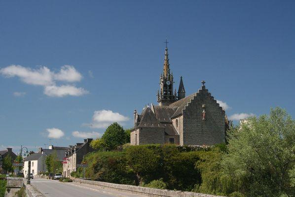 petit bourg de campagne bretonne