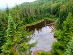 Petit lac au Mont-Tremblant au Québec, Canada