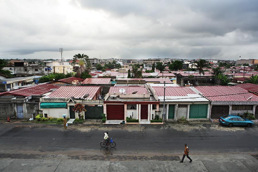Petit matin pluvieux sur Abidjan
