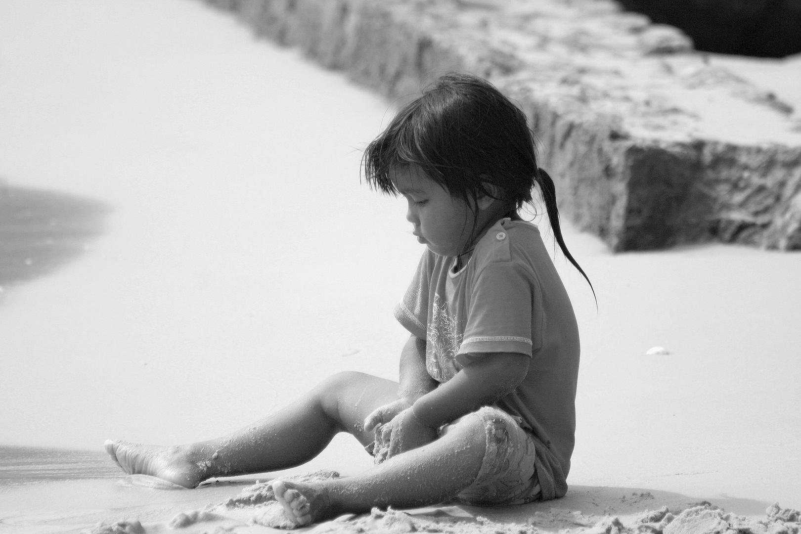 Petit peton sur le sable