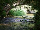 petit pont sur la Cure dans le Morvan