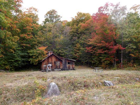 Petite cabane au Mont Ste Anne