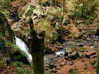 Petite cascade de Tendon à l'automne.