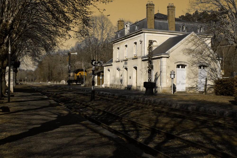 petite gare abandonnée