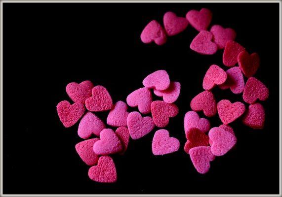 petits cœurs rouge et rose