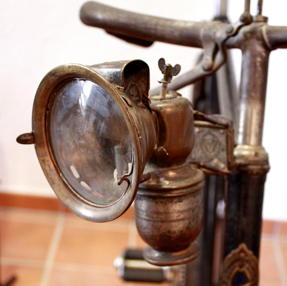 Petroleumlampe am Fahrrad um 1900
