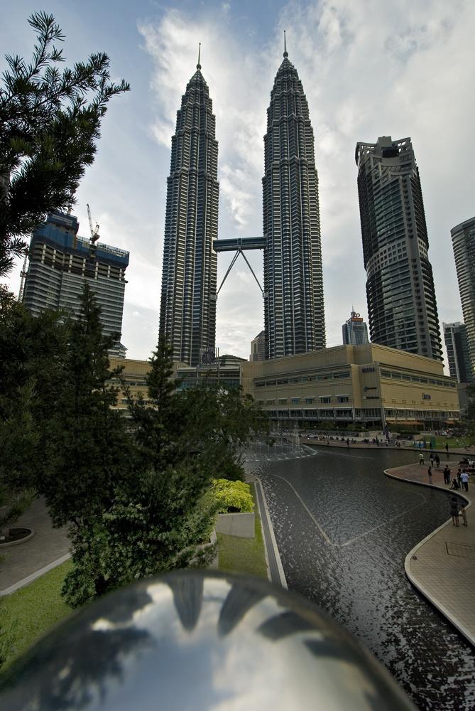 Petronas Towers - kleine Spiegelung