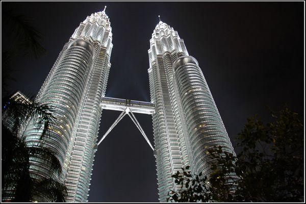 Petronas Twin Tower bei Nacht