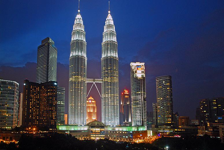 2560x1024 singapore night petronas - photo #4