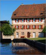Pfarrhaus am Brunnen vor der Burg