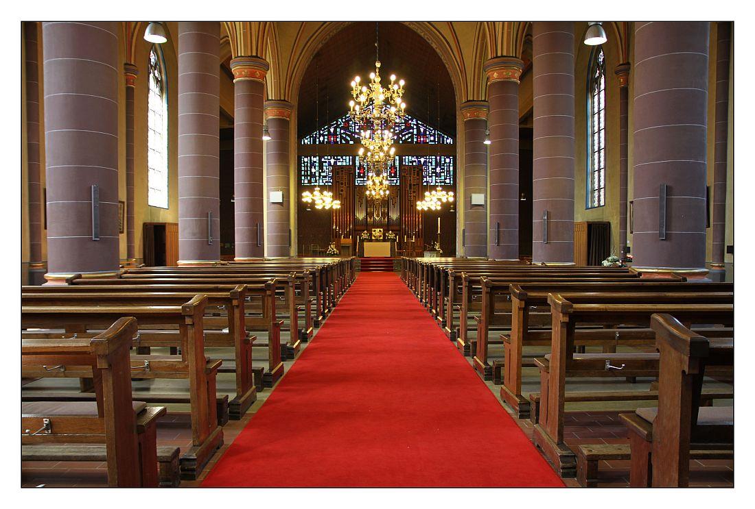 Pfarrkirche St. Peter und Paul in Garrel - Altaransicht