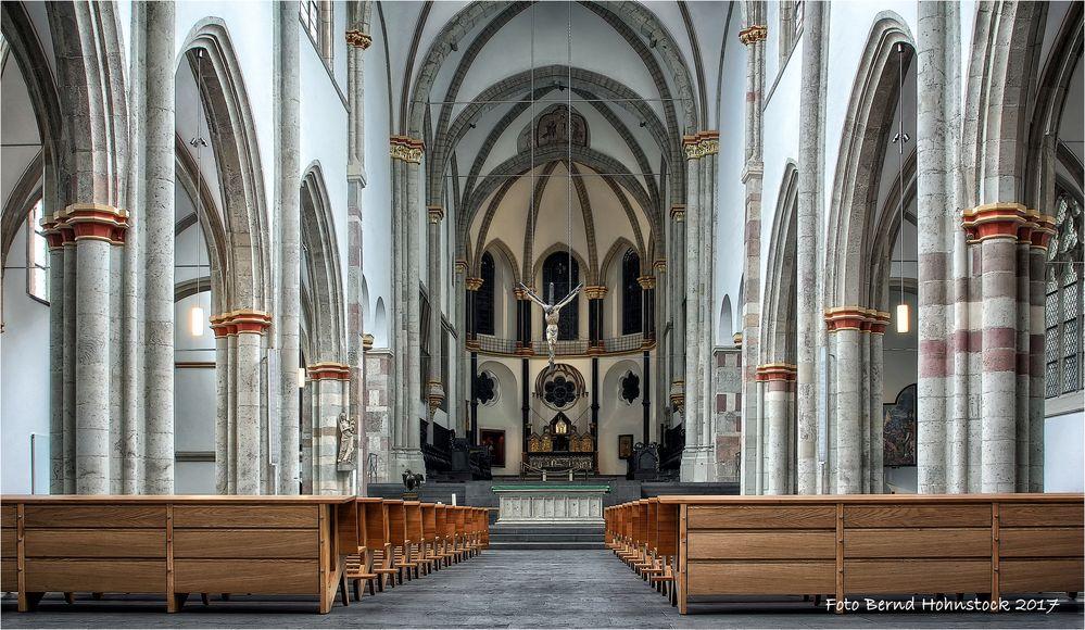 Pfarrkirche St. Severin ist eine der zwölf romanischen Basiliken Kölns