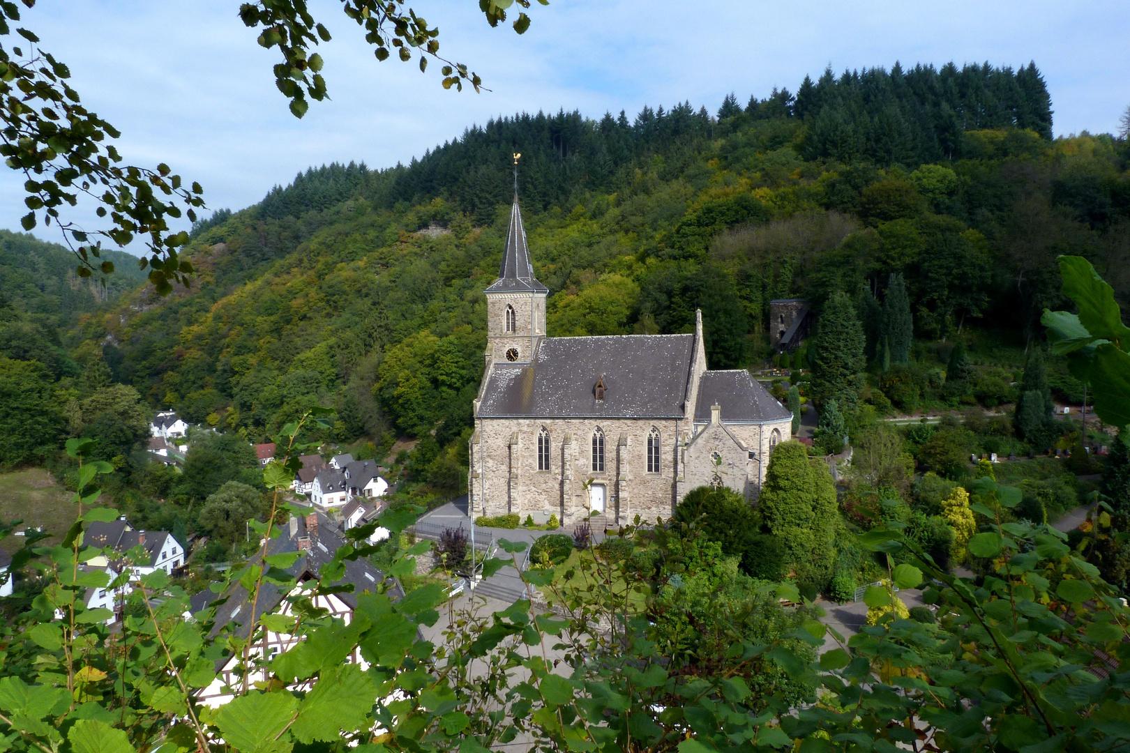 Pfarrkirche St.Katharina in Isenburg / Saynbachtal / Westerwald